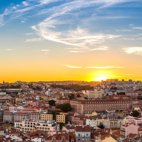 Lissabon: 3 Tage Städtetrip mit zentraler Unterkunft & Flug nur 91€