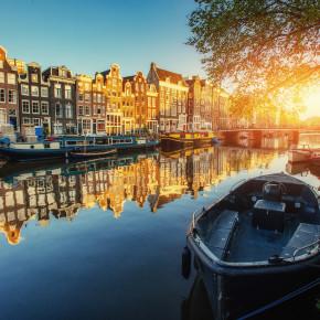 Kurztrip nach Amsterdam: 2 Tage im 4* Hotel mit Skybar für 55€
