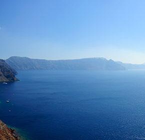 Griechenland: 8 Tage auf Santorini im 3* Hotel in Strandnähe inkl. Flug um 205€