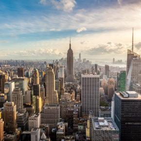 Big Apple: Hin- und Rückflüge nach New York inkl. Gepäck nur 99€