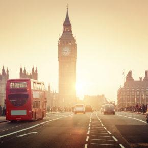Auf zur Queen im Sommer: Günstige Flüge nach London um 10€