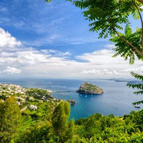 Italien: 7 Tage auf Ischia im 3* Hotel mit HP, Flug & Transfer nur 353€