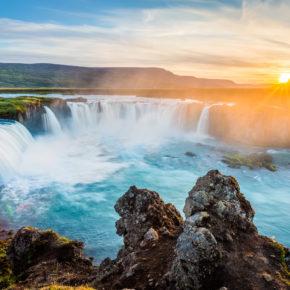 Beste Reisezeit Island: Temperaturen, Klima & Polarlichter