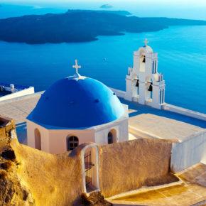 Santorini: 7 Tage im guten Hotel inkl. Frühstück, Flug & Transfer für 333€