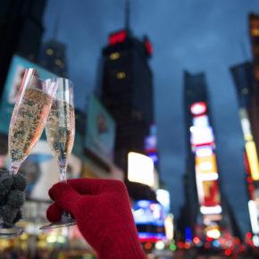Silvester in New York: 5 Tage im zentralen TOP 4* Hotel mit Flug & Transfer ab 1.349€