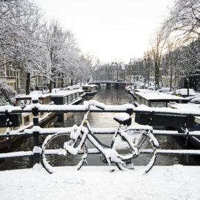 Rundreise durch die Niederlande: 4 Tage Amsterdam & Giethoorn mit Hotels & Flug für 121€