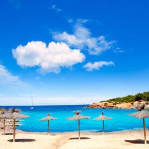 Ibiza Frühbucher: 7 Tage im TOP Hotel mit Halbpension, Flug & Transfer nur 385€