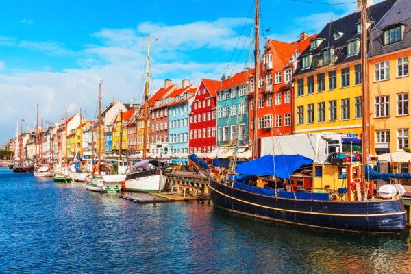 Dänemark Kopenhagen Boote Häuser Bunt