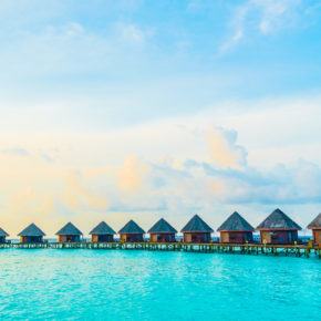 9 Tage Malediven im guten 4* Hotel mit All Inclusive, Flug, Transfer & Zug nur 1373€