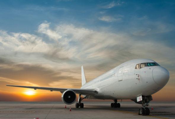 Flugzeug Sonnenuntergang