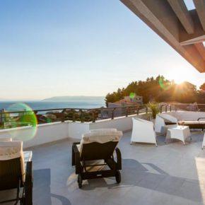 Kroatien: 8 Tage LUXUS-Villa mit Sonnendeck, Panoramablick, Pool & Jacuzzi ab 258€ p.P.
