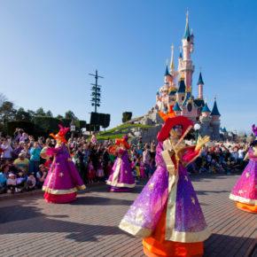 Silvester im Disneyland® Paris: Tageseintritt, Silvesterparty & Übernachtung im 4* Hotel für 274€