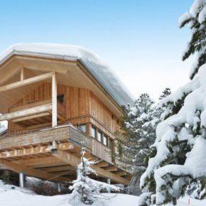 Skiurlaub Deluxe: 8 Tage eigenes Winterchalet mit Jacuzzi ab 176€