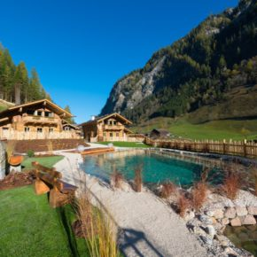 Hüttschlag: 4 Tage Luxus-Urlaub im privaten TOP Chalet inkl. Frühstück, Privat-Spa & Extras für 548€