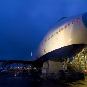 Abheben in Stockholm: 2 Tage am Wochenende im TOP Flugzeughostel mit Frühstück um 47€