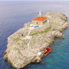 Allein, allein: 5 Tage Kroatien auf eigener Insel in Leuchtturm-Villa mit Pool ab 180€ p.P.