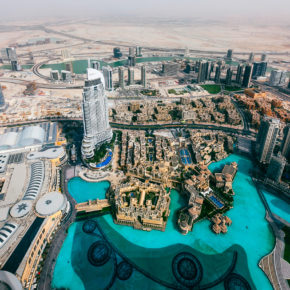 Abu Dhabi: 5 Tage im TOP 5* Hilton Hotel mit Frühstück, Flug & Transfer nur 384€