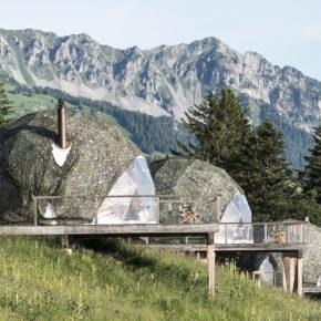 Glamping in der Schweiz: 2 Tage im luxuriösen Whitepod mit Frühstück um 136€