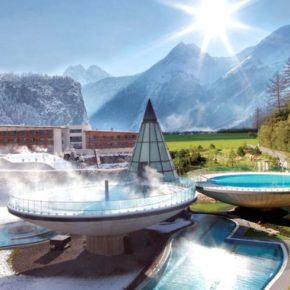 Aqua Dome in Tirol: 2 Tage Wellness im TOP 4.5* Hotel mit Panoramablick, Halbpension & Therme ab 177€