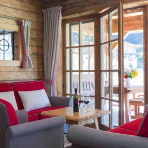 Feriendorf in den Alpen: 3 Tage im eigenen Chalet mit Wellness, Frühstück & Extras nur 136€