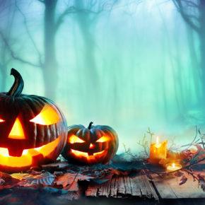 Halloween im Europa-Park: Tageseintritt & Übernachtung im 4* Hotel mit Frühstück ab 89€