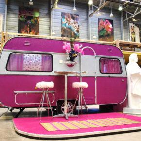 Think Pink: 2 Tage Bonn im coolen Wohnwagen mit Frühstück nur 42€