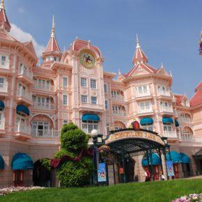 NUR HEUTE: Disneyland® Paris Tageseintritt & Übernachtung im 4* Hotel inkl. Frühstück ab 79€