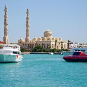 Frühbucher: 7 Tage Ägypten im 3* Hotel am Strand mit All Inclusive, Flug & Transfer nur 182€