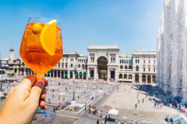 Italien Mailand Aperol Sprizz