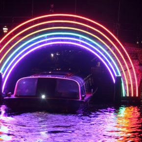Farbenfrohes Light Festival: 3 Tage Amsterdam im 4* Hotel mit Frühstück um 137€