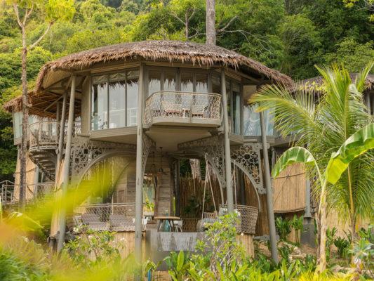 Tree House Villa Baeume