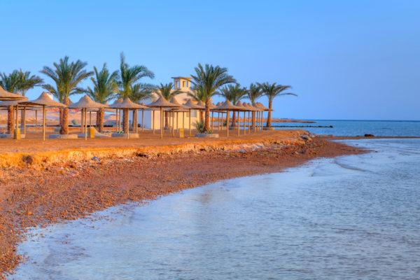 Ägypten Hurghada Haeuser Strand Palmen