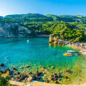 Griechenland: 8 Tage auf Korfu im Studio in Strandnähe & Flug nur 90 €
