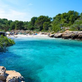 Mallorca wartet: Eine Woche im 3* Adults-only Hotel mit Halbpension, Flug & Transfer um 337€