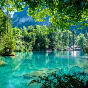 Schweiz übers Wochenende: 2 Tage am Blausee im TOP 3* Hotel mit Frühstück um 93€