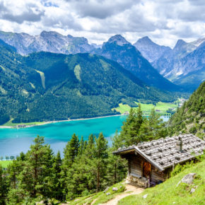 Kurztrip nach Österreich: 3 Tage am Achensee mit TOP 3* Hotel, Halbpension & Schiffsfahrt ab 69€