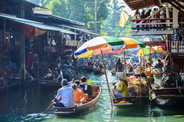 Bangkok Floating Market Wassermarkt bunte Boote