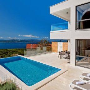 Kroatien: 8 Tage in eigener Luxus-Villa mit Meerblick & Infinity-Pool ab 178€ p.P.
