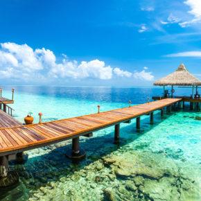 Traumreise: 10 Tage Malediven im TOP 4* Hotel mit Vollpension, Flug & Transfer für 1.782€