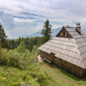 Natur pur in Slowenien: 8 Tage im eigenen Berg-Chalet mit Hot Tub ab 197€