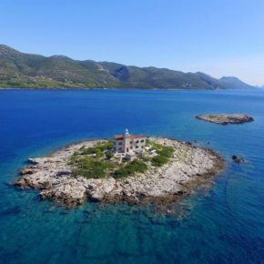 Leuchtturm-Villa nur für Euch: 7 Tage Kroatien mit eigenem Strand, Pool & mehr ab 401€ p.P.