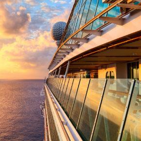 Karibik-Traum: 14 Tage mit Carnival Fascination Kreuzfahrt, Vollpension & Flug nur 955€
