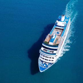 Kreuzfahrtschiff Vogelperspektive