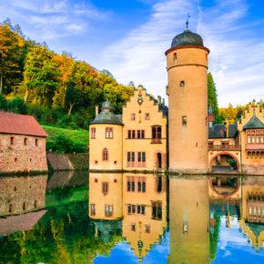 Deutschland Mespelbrunn Schloss