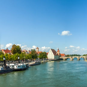 Top 10 Regensburg Sehenswürdigkeiten: Ein Rundgang durch die Mittelalterstadt