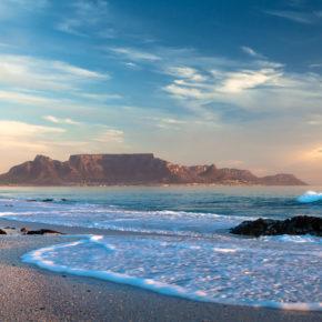 Chillen mit Pinguinen: 7 Tage im guten 3* Hotel in Kapstadt inkl. Flug nur 615€