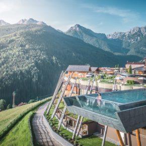 Wellness: 6 Tage in Südtirol im TOP 4.5* Hotel mit Frühstück & Sky-Pool nur 785€