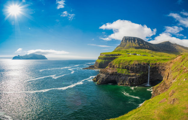 Dänemark Faroe Insel Gasadalur Wasserfall