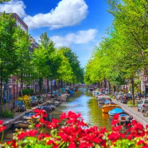 Wochenende: 2021 für 3 Tage nach Amsterdam ins gute 4* Steigenberger Hotel mit Flug nur 141€