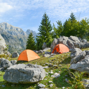 Camping in Albanien - die besten Campingplätze & Infos zu Wildcamping